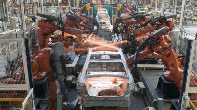 La actividad económica se contrajo 4,3% interanual en junio