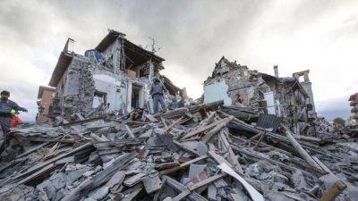 Terremoto: El Papa posterga la audiencia, �rezamos juntos por las v�ctimas�