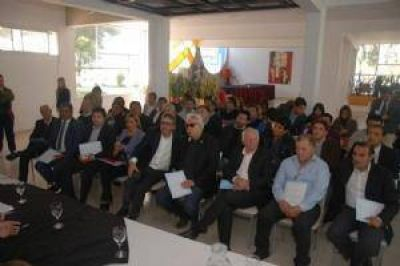 Intendentes cargaron contra el administrador de Vialidad nacional