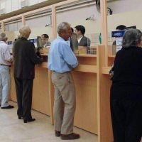 Desde el 30, los jubilados bonaerenses cobrar�n los haberes de agosto