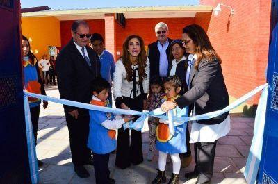 La Gobernadora inauguró un jardín de infantes en la localidad de Quebracho Coto