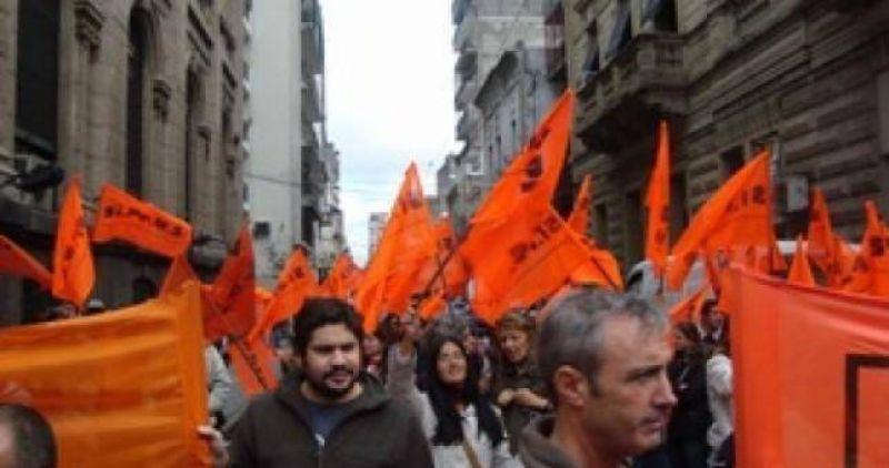Los m�dicos lanzan paros y marchas para el 20 de septiembre
