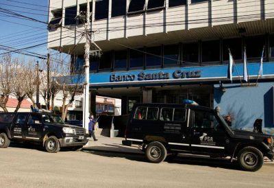 Allanan el Banco Santa Cruz por supuesta documentación oculta de Cristina Fernández de Kirchner