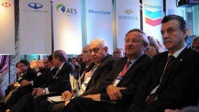 Empresarios miran con cautela la marcha del plan económico