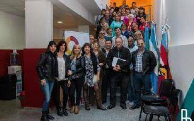 Empleados del Municipio de Lanús terminan sus estudios con el Plan Fines