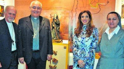 La gobernadora presidió el acto institucional por la beatificación de María Antonia de Paz y Figueroa