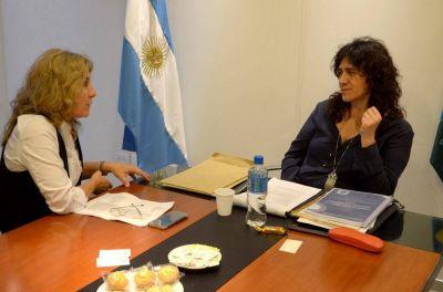 Alejandra Lord�n: �Est� claro que la ministra Ortiz antepone los derechos de las pacientes�