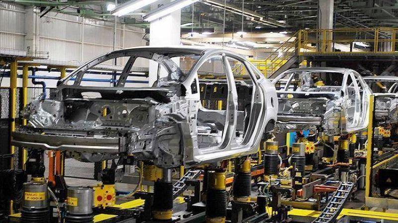 Negro panorama en la industria automotriz