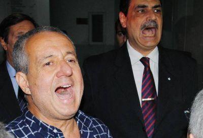 El Juez López gritó que no renuncia ante una multitud que le dio contundente respaldo
