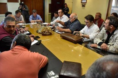 La Intersindical empieza a definir c�mo sigue la pelea salarial