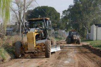 Trabajos de mejoras de calles en distintos sectores de la ciudad