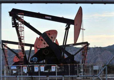Acuerdo para evitar los despidos en petroleras de Mendoza