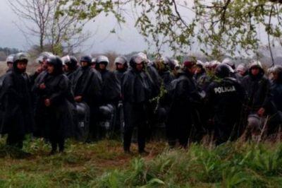 Ocupantes desalojados intentaron regresar al predio en Moreno y fueron reprimidos por la Policía