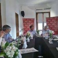 El intendente Guillermo Britos particip� de una reuni�n con el ministro provincial Cenz�n