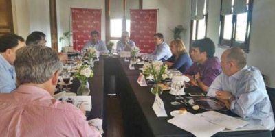 Con Massa para el recibimiento, Intendentes del Frente Renovador mantuvieron un encuentro con el ministro Cenzón