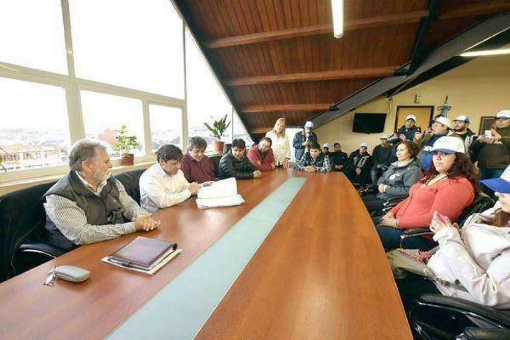 La UTHGRA recibió el decreto de cesión del predio donde construirán un polideportivo
