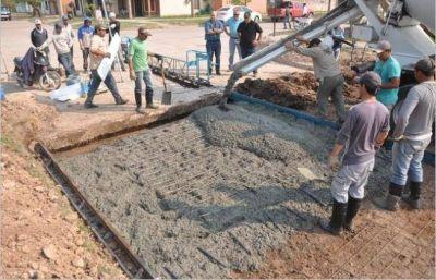 Comenzó la obra de pavimento urbano en San Bernardo