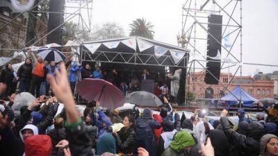 Sigue la pelea interna en el peronismo, tras la marcha contra Macri