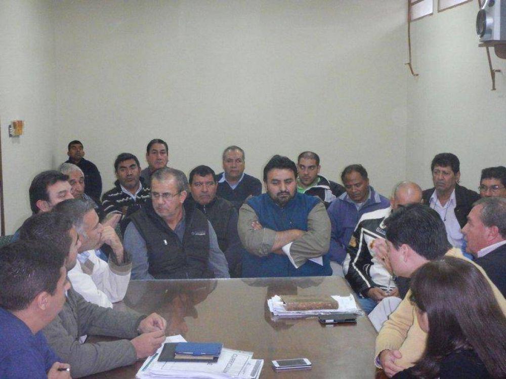 Hoy se reanuda el diálogo con los taxistas metanenses