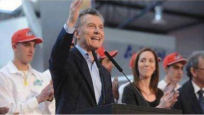 La Coca 'Nac & Pop' anuncia inversiones al gobierno de Macri