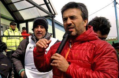ADOSAC denuncia que quieren excluir a dirigente fueguino