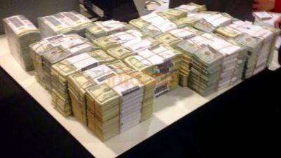 Florencia Kirchner le pidió a la Justicia poder disponer de los 4.664.000 dólares que le embargaron