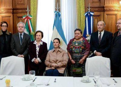 Adolfo Rodr�guez Sa� particip� del encuentro con las Nobel de la Paz