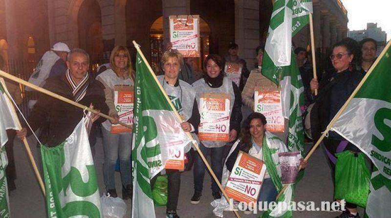 Nueva protesta sindical en la puerta del Paseo Aldrey