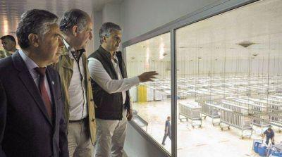 El gobernador Alfredo Cornejo sostuvo que hacen falta inversiones del exterior para modernizar el Iscamen