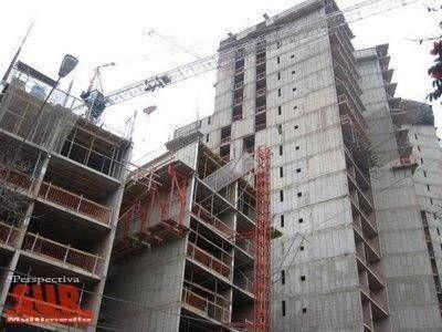 Proponen multas de hasta un 2.000% de recargo en derechos de construcción