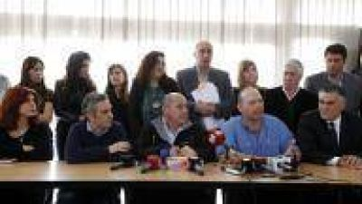 Ensenada: Secco recibió apoyo de todo el kirchnerismo para cuestionar a Ritondo
