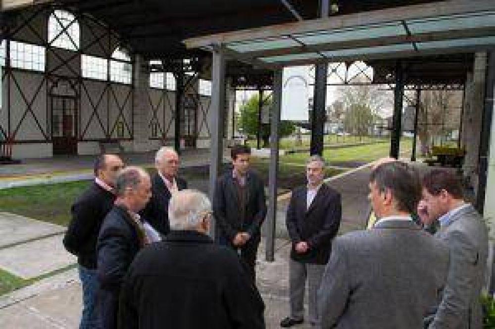 El ministro de producción visitó el Puerto La Plata