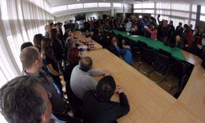El enfrentamiento de Secco con Ritondo agrup� al peronismo
