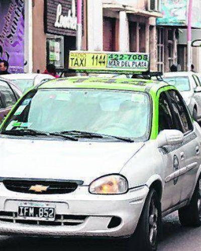 Infante dijo que se analizará alguna medida de seguridad para taxistas