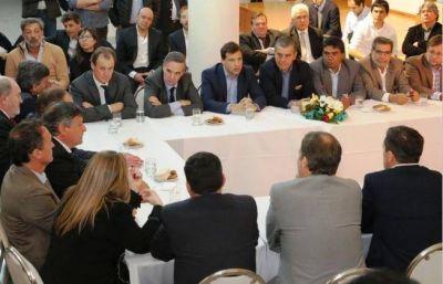 Peppo encabezó cumbre del PJ no kirchnerista en Buenos Aires