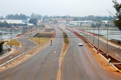 Inauguran nuevos puentes sobre el arroyo Zaim�n