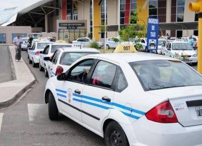 Admiten que la demanda de taxis cayó un 30% tras la suba tarifaria