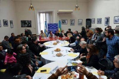 Le apuntan al ministro Sarqu�s por la nueva ley de fumigaciones: �Debe hacerse cargo�