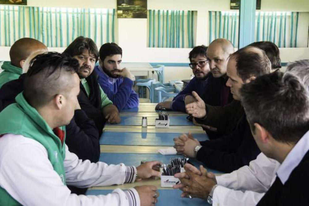 Acuerdo entre APDFA y trabajadores de Zona Norte sobre personal portuario de la región