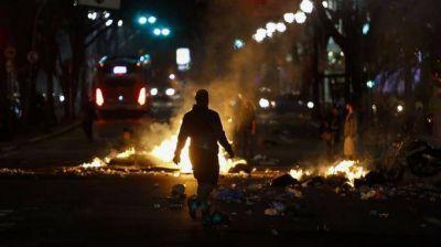 Detrozos, fuego y enfrentamientos en las protestas contra la destituci�n de Dilma Rousseff