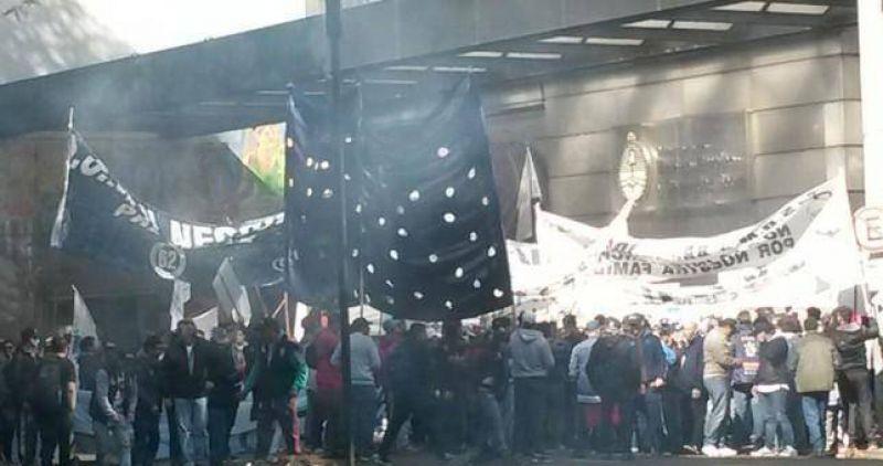 Cientos de marítimos reclamaron el cese inmediato de la intervención del SOMU