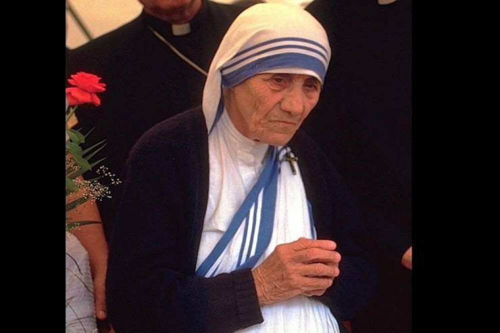 """""""Madre Teresa vivía y expresaba santidad con cada gesto, palabra y paso"""""""