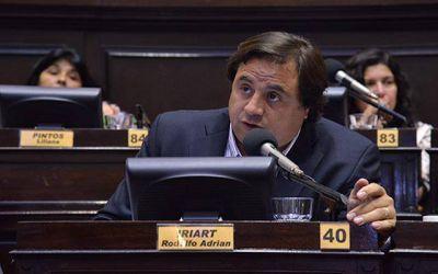 """Manino Iriart criticó a diputados del oficialismo por """"frenar"""" el proyecto de policías preventivas"""
