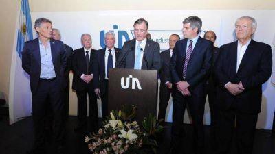 Cruce entre el Gobierno y la UIA por la recesión