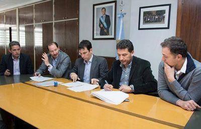 Nación le otorga 20.000 microcréditos a Salta y construirá 150 viviendas para comunidades aborígenes del interior provincial