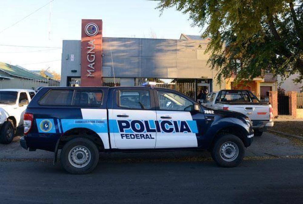 """Desde los medios de Lázaro Báez les piden a los empleados """"que renuncien"""" si quieren cobrar"""