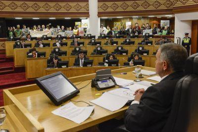 La Legislatura aprobó el aumento del Presupuesto 2016