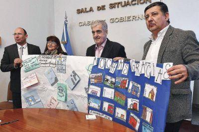 Provincia firm� el contrato para ampliar la Escuela 147 de Comodoro Rivadavia