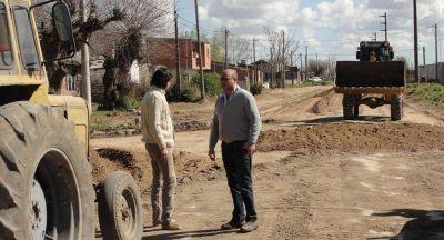 Reino recorrió las obras que se llevan a cabo en calle 1 y Maipú
