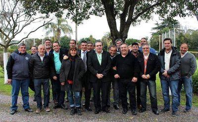 """Dirigentes sindicales de La Plata analizan armar una """"lista gremial"""" para las legislativas del 2017"""